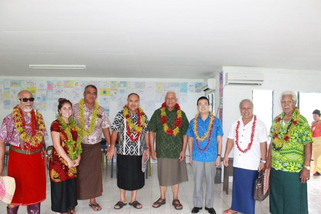 ALL SMILES FOR A MOMENT TO REMEMBER: Ambassador Extraordinary and Plenipotentiary of Japan to Samoa, H.E. Maugaoleatuolo Shinya Aoki (3rd from right) is flanked by the Acting Prime Minister and Minister of Health, Minister of Education, Sports and Culture, Officials and members of the Solosolo Primary School committee.