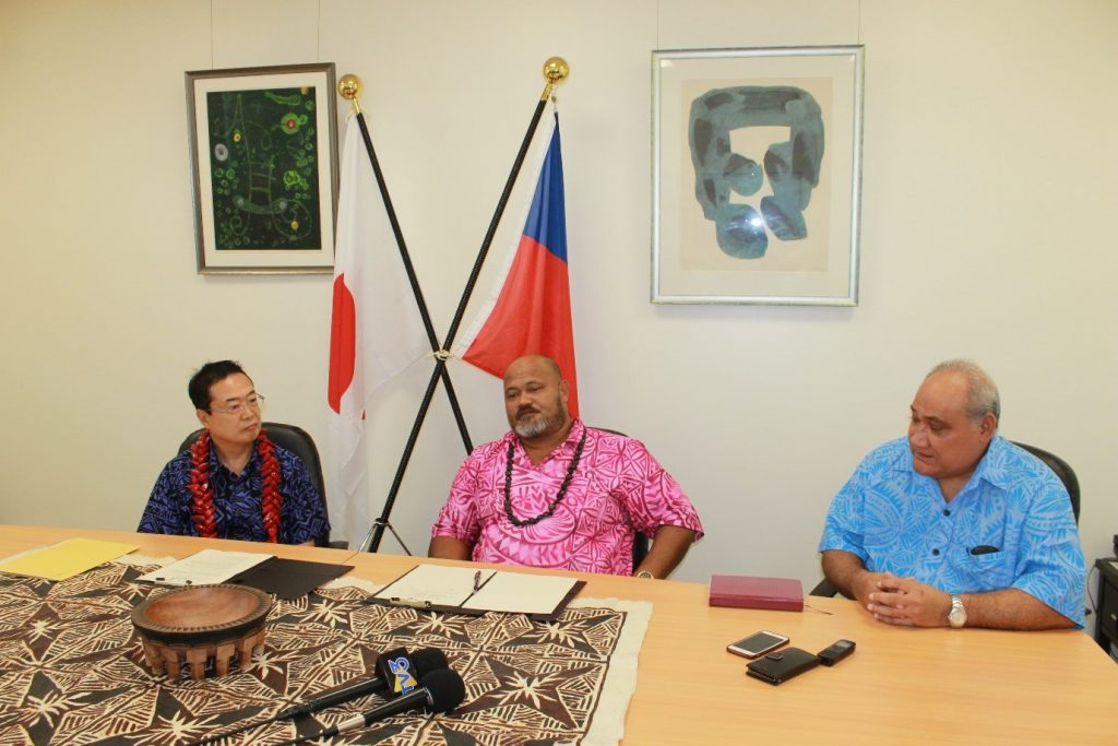 AT THE SIGNING CEREMONY: (L-R) H.E. Maugaoleatuolo Mr. Shinya Aoki, Ambassador Extraordinary and Plenipotentiary of Japan to Samoa, Satu'u Fata Fiafia, Chairman of Taelefaga Primary School committee and Hon. Tialavea Fea Leniu Tionisio Hunt, Member of Parliament for Va'a Fonoti constituency and Minister for Revenue and Prisons.