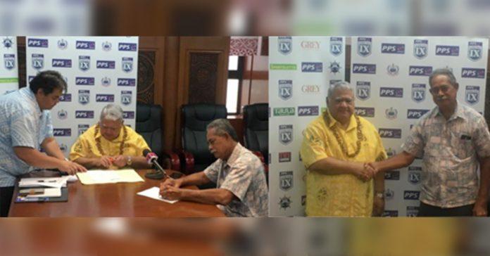 SRU Chairman: Tuilaepa Lupesoliai Sailele Malielegaoi and PPS Managing Director: Fanene Etuale Sefo sign the sponsorship agreement.